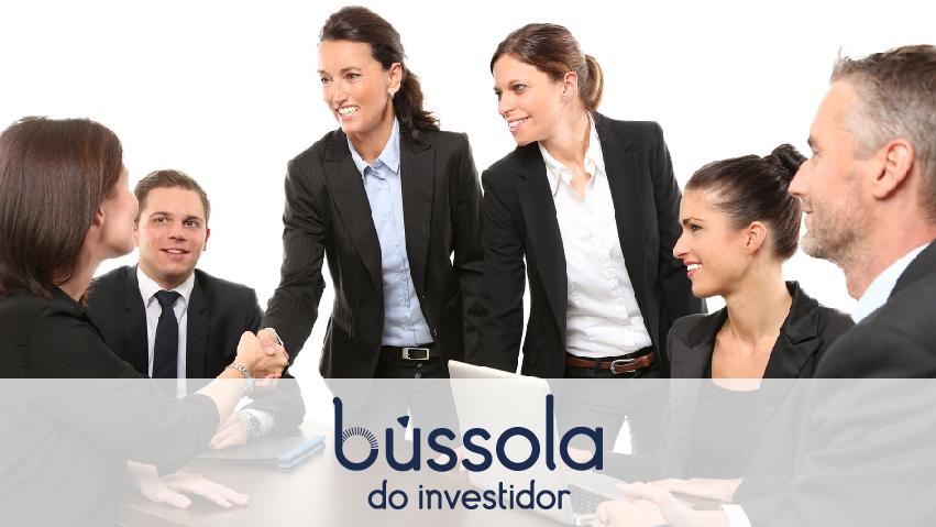 Pessoas descobrindo o perfil de investidor