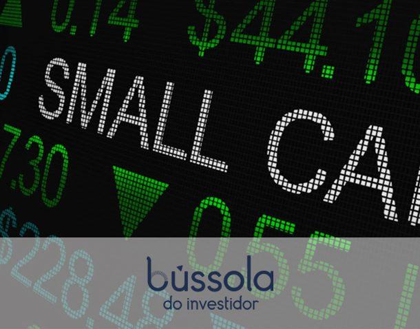 Imagem mostra a palavra Small Caps com índices de crescimento